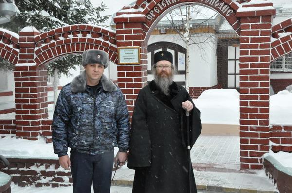 ИК-4 посетил митрополит Томский и Асиновский Ростислав